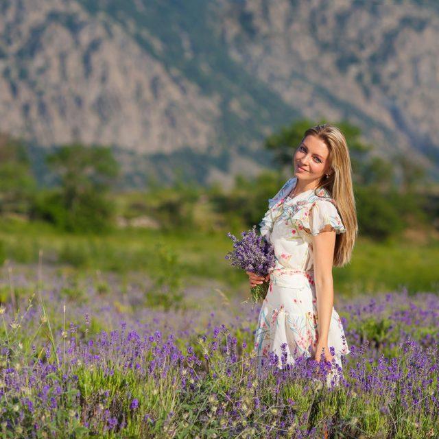 фотограф Ялта, фотограф Крым, фотосессии в Ялте, фотосессии на лавандовом поле в Ялте